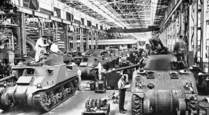 22.life-detroit-car-makers-world-war-II-1942_6_chrysler-tanks-672x372